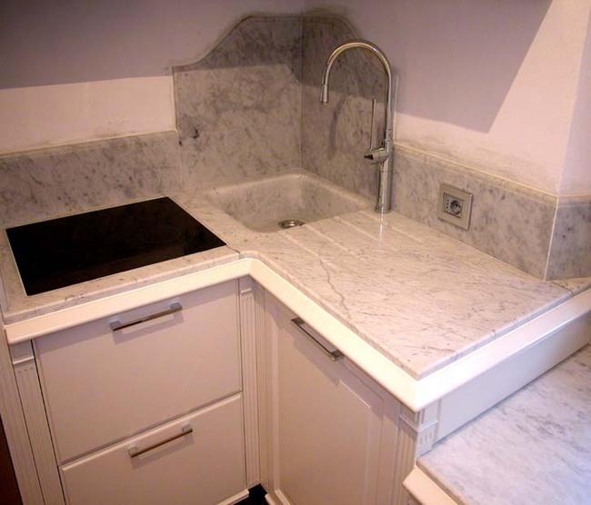 Casa immobiliare, accessori: Cucina con lavello angolare
